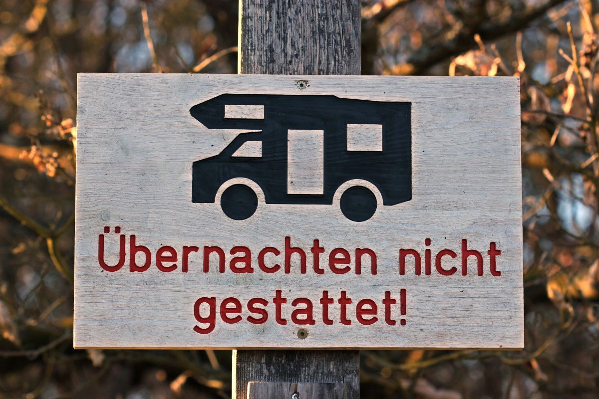 Parkschild für Wohnmobile